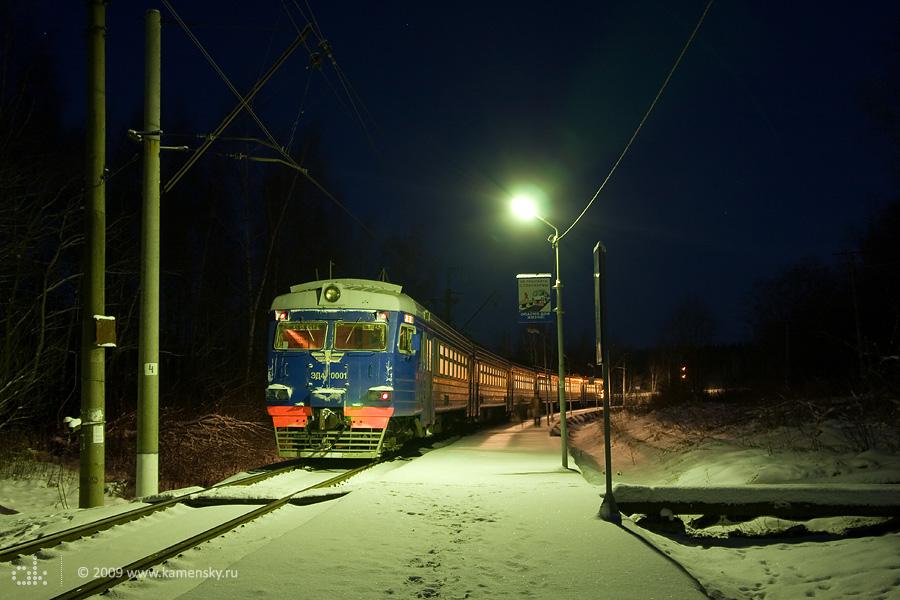 Электропоезд ЭД4-0001 на дмитровской платформе 81 км