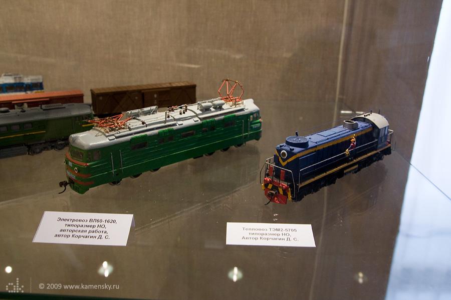 Модели электровоза ВЛ60 и тепловоза ТЭМ2, автор Корчагин