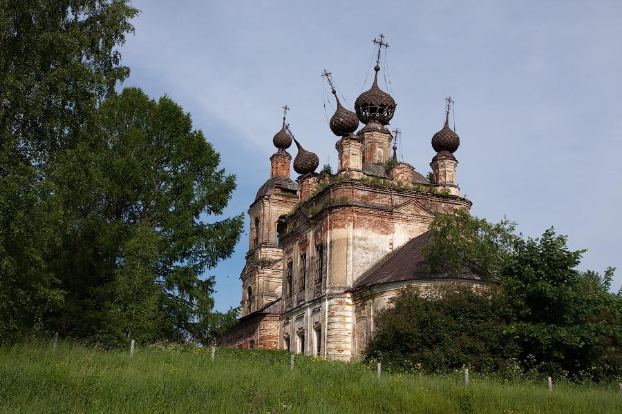 Богоявленский храм в Уславцево