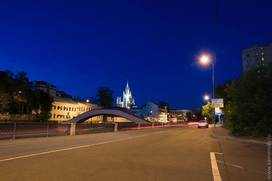 Вечерние фотографии Москвы. Овчинниковская набережная.