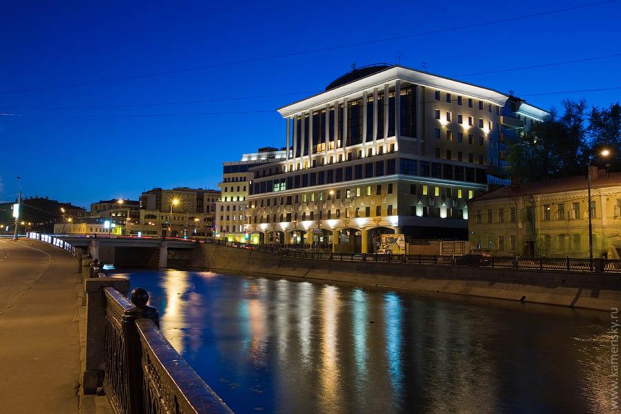 Вечерние фотографии Москвы. Балчуг.
