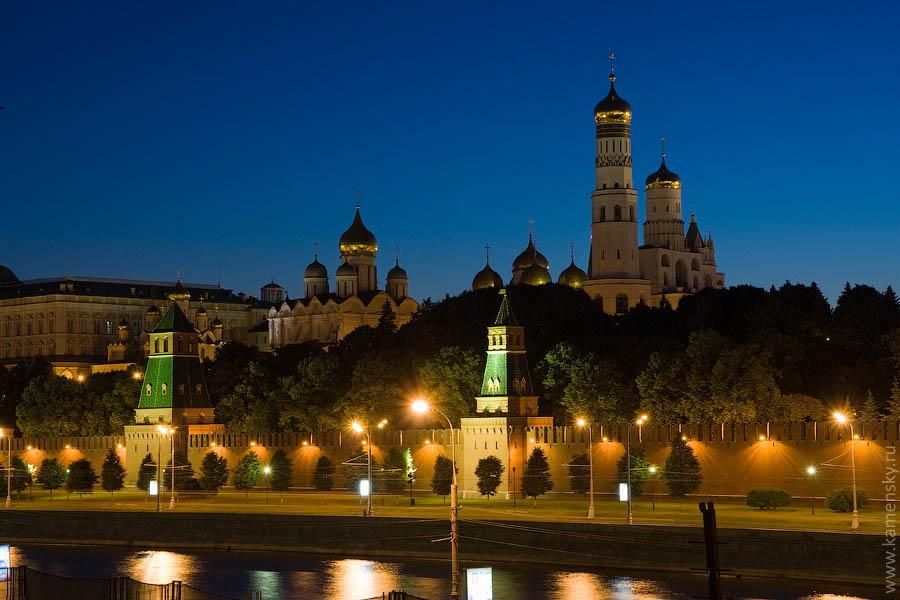 Вечерние фотографии Москвы. Кремлевская набережная