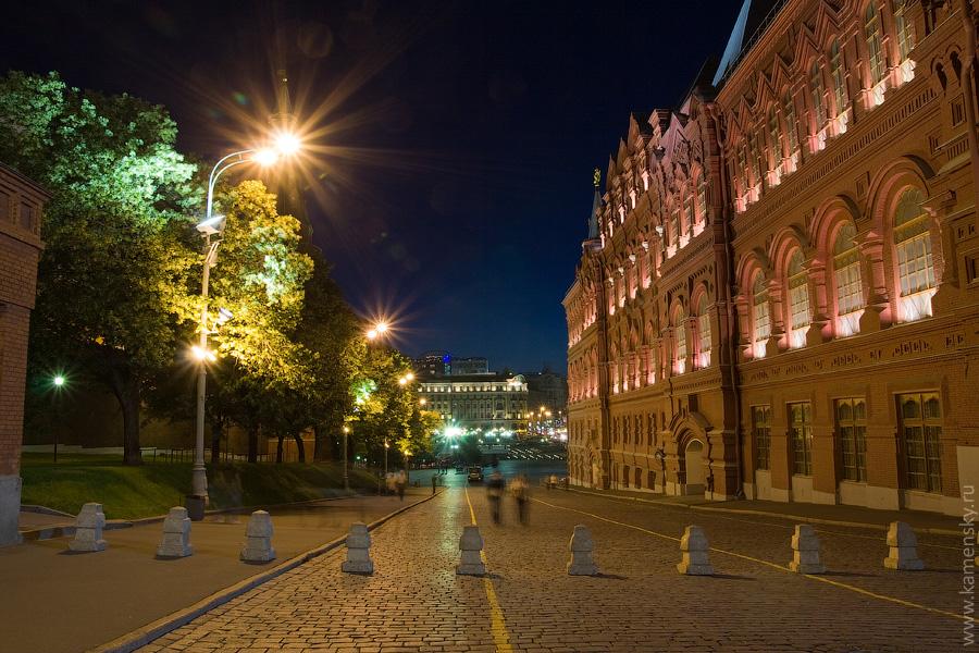 Вечерние фотографии Москвы. Красная площадь. Кремлевский проезд