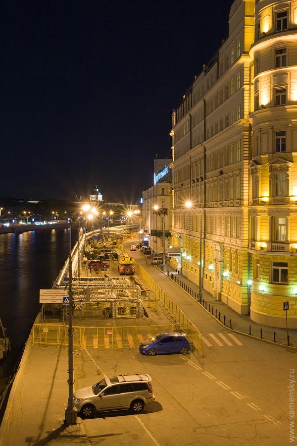 Вечерние фотографии Москвы. Раушская набережная ремонт