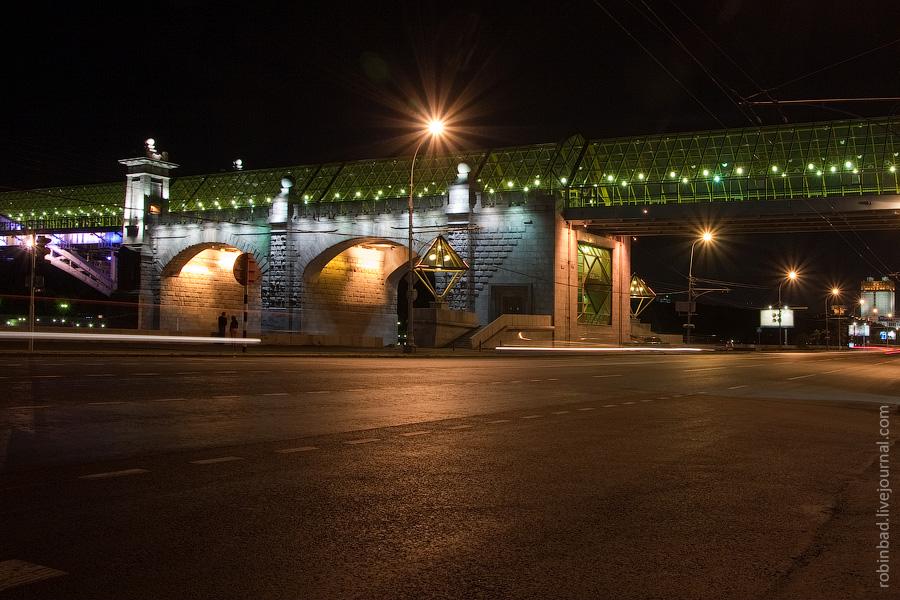 Андреевский пешеходный мост, Фрунзенская набережная