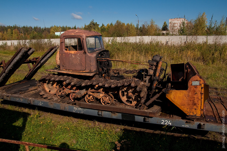 Гусевское ППЖТ, депо, трактор