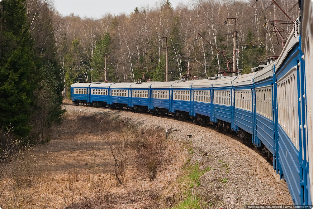 Перегон Софрино - Красноармейск, электропоезд ЭР2К-1139 в кривой