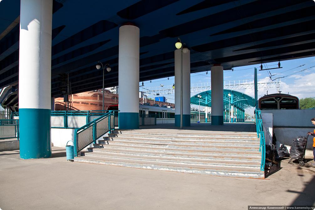 Станция Болшево, фотографии железной дороги, пассажирские платформы, город Королев, фоторепортаж