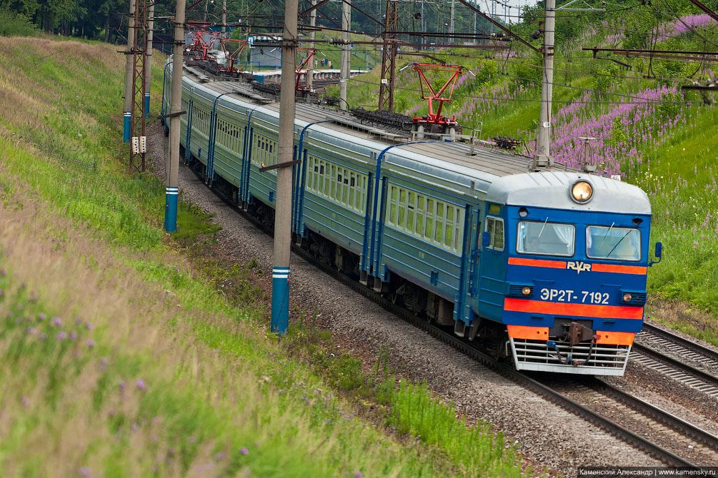 Московская область, Железная дорога, платформа Семхоз, электропоезд ЭР2Т-7192